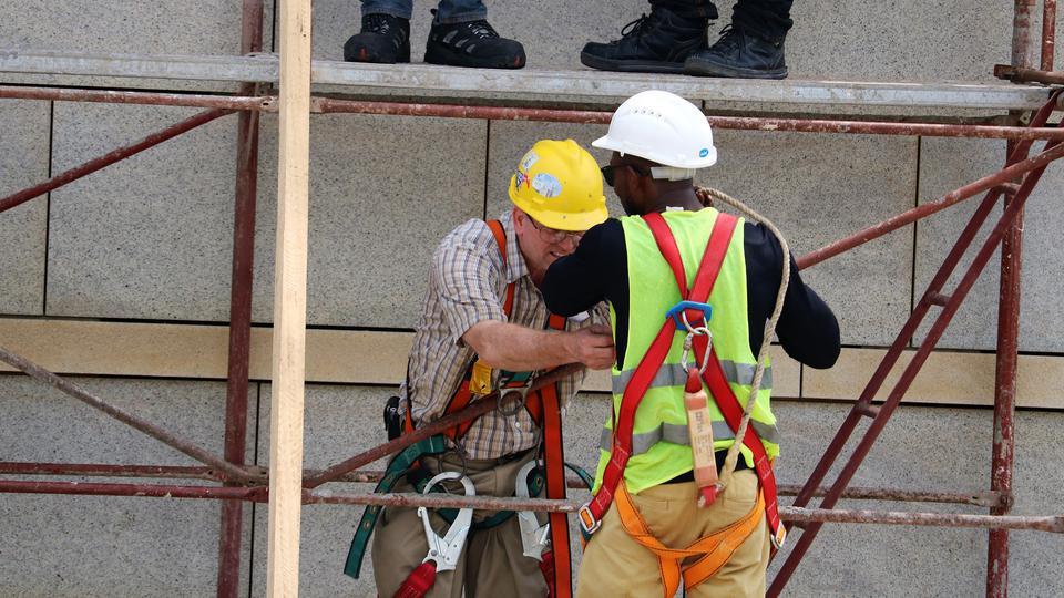 Gold medal midget scaffolding machine